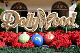 dollywood sign christmas